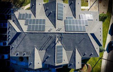 15-csalad-napelemes-rendszeret-akarja-lebontatni-a-visegradi-onkormanyzat