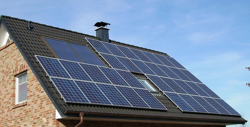 Tájékoztató háztartási méretű napelemes erőművek által termel villamos energia elszámolásáról az E.ON területén