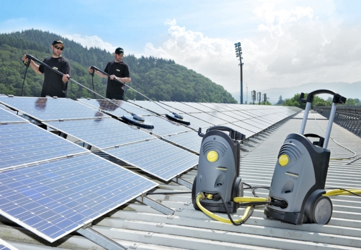 A napelemek tisztítását bízza a szakemberekre!